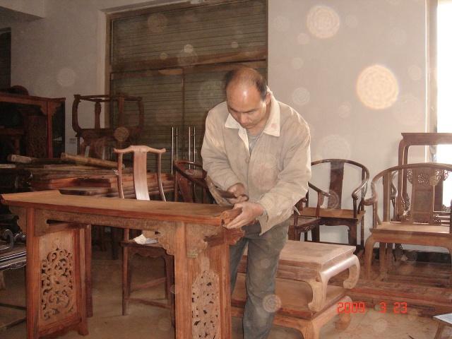打造环保榫卯结构红木家具