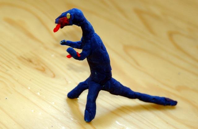 我用橡皮泥做恐龙