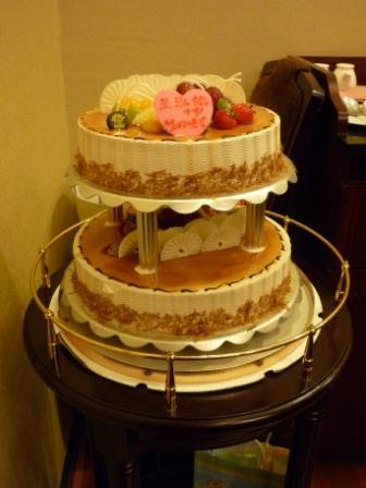 可爱的生日大蛋糕_乐乐简笔画