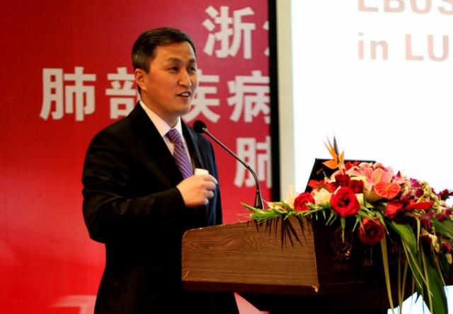 陈海泉教授带来了关于纵隔镜检查和ebus-tbna的经验