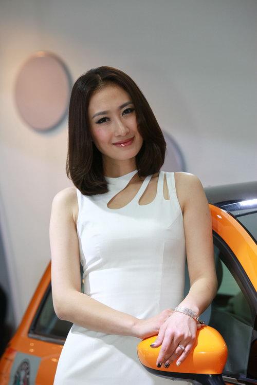 2010广州车展美女车模集中营