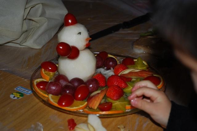 迎圣诞幼儿园蔬菜水果拼盘比赛