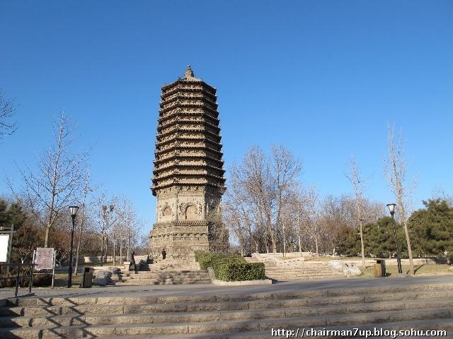 现在的北京的玲珑公园原来就是慈寿寺,可惜后来清末遇到火灾,只保存
